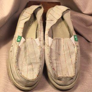 Sanuk loafers w/yoga mat footbed